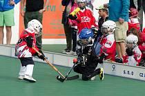 Turnaj hokejbalových minipřípravek.
