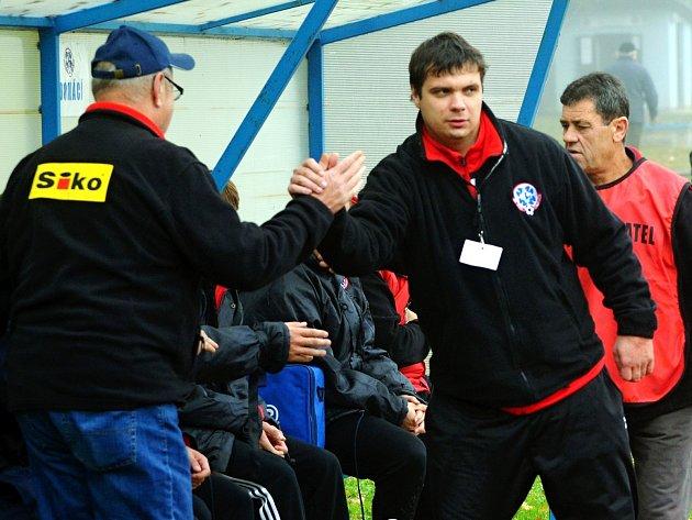 TRENÉR. Šéfem lavičky čimelických fotbalistů je Jan Růžička (vpravo).