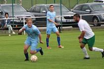Protivín (v modrém při zápase v Jankově) hrál tentokrát s Dražicemi bez branek.