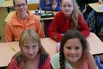 Na snímku jsou zpředu zleva Aneta Linhartová, Nela Štětinová, Zuzana Šimonová, Monika Žáková a Dagmar Kratochvílová.