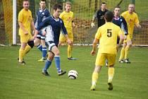 V sobotním zápase okresní fotbalové III. třídy remizoval tým Oslova s Kostelcem nad Vltavou 2:2, na pokutové kopy ale vyhrál 5:4. Snímek je z tohoto utkání.