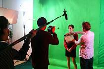 Natáčení studentského filmu Rozvod mrtvých v ateliéru Filmové akademie Miroslava Ondříčka kompletně technikou greenscreen trvalo deset dní