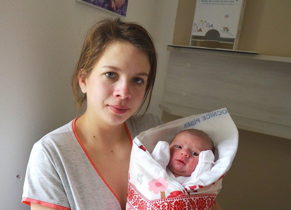 Valérie Sládková z Držova. Dcera Markéty Houškové a Václava Sládka se narodila 16. 2. 2021 v 7.46 hodin. Při narození vážila 2550 g a měřila 46 cm. Doma se na ni těšil bráška Vašík (3).