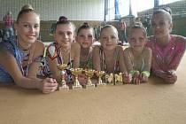 Na snímku z Chomutovského poháru moderních gymnastek jsou závodnice klubu RG Proactive Milevsko  (zleva): Kristýna Souhradová, Natálie Křížová, Natálie Kotašková, Tereza Kutišová, Sabina Kubičková a Adriana Havlíková.