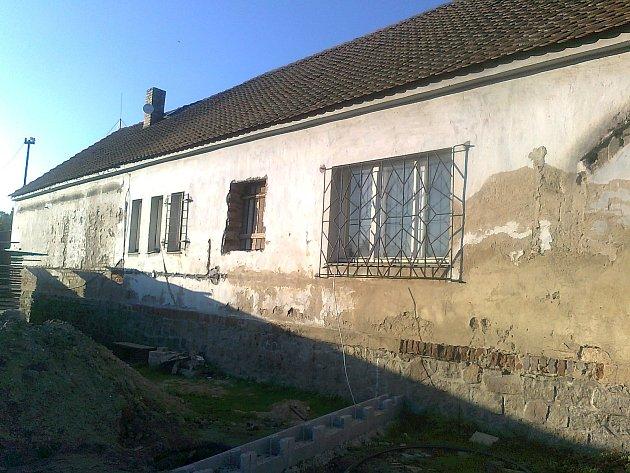 Rekonstrukce prostor po bývalé poště vbudově obecního úřadu.