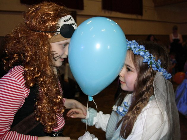 Sobotní dětský karneval v Bernarticích.