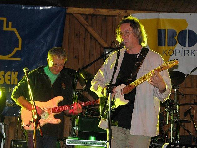 Kapela Blues Session v Ražicích.