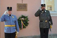 Pamětní deska připomínající generála Josefa Bílého.