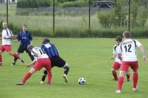 V nedělním utkání okresní fotbalové III. třídy porazilo béčko Božetic tým Oslova 3:0.