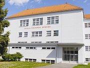 Písek, budova Základní školy Edvarda Beneše. Ilustrační foto
