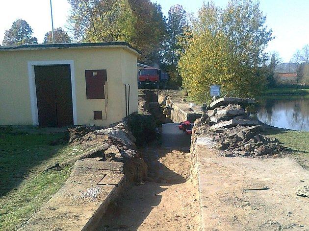 Zasíťování parcel v lokalitě Pod Hořicí.