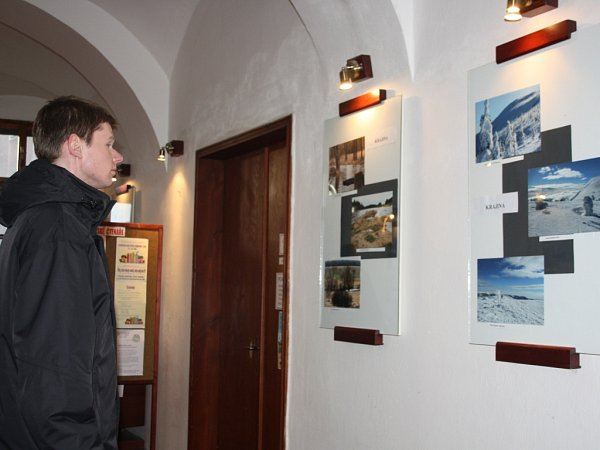 Zahájení výstavy fotografií vmilevské knihovně.