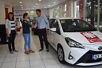 Charita Písek dostala nové auto pro terénní služby.