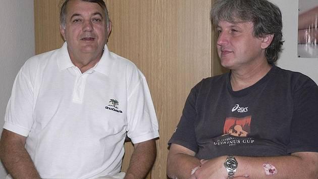 Předseda oddílu házené TJ Sokol Písek Rudolf Žaba (vlevo) a manažer odddílu Michal Horák při rozhovoru pro Deník.