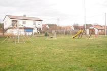 Dětské hřiště v Jetěticích.
