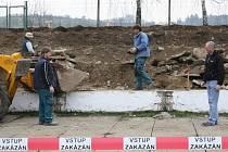Oprava tribuny na otevřeném kolbišti Zemského hřebčince Písek už začala.