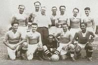 Historická fotografie týmu SK Mirovice.