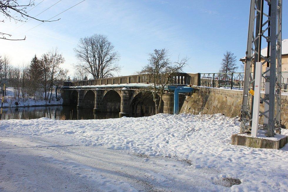 Mirovický kamenný most byl prohlášen kulturní památkou.