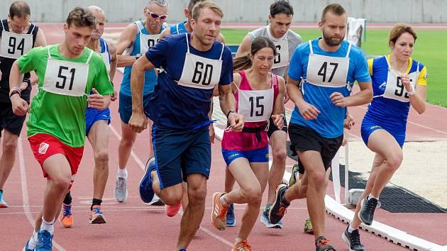 Hlavní závod 25. ročníku Běhu Tolerance.