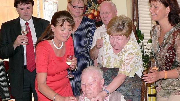 Z oslavy 100. narozenin pana Bohumila Novotného