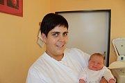 V Bošicích u Čkyně bude s bráškou Antonínem (2,5) vyrůstat Štěpánka Marková. Narodila se 16. října v 9 hodin a 44 minut manželům Martině a Jiřímu. Vážila 4060 gramů.
