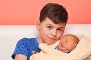 Miroslav BOŘÍK, Vimperk. Narodil se 8. listopadu v 0.15 hodin ve strakonické porodnici, vážil 3950 gramů. Má brášku Tobiáše (6 let). Rodiče: Karolína a Miroslav.