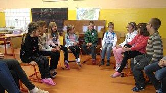 Společné dílo osmých a druhých tříd ze ZŠ ve Vodňanské ulici v Prachaticích.