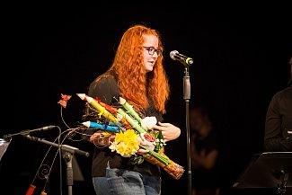 Anička Lebedová z Prachatic absolvovala v hudebním oboru ZUŠ Prachatice. Závěrečný koncert se konal v Městském divadle.