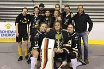 Prachatické hokejbalistky vyhrály turnaj v Kralupech.