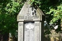 Památníky padlým nejsou jen odkazy vzdálené historie.