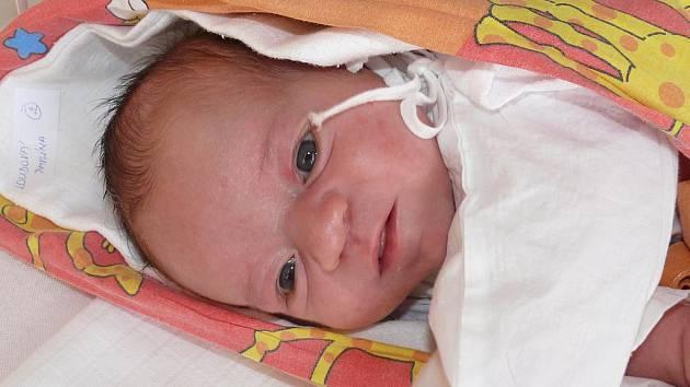 Pavlína Loudová se v písecké porodnici narodila 25. března ve 21.27 hodin. Holčička při narození vážila 3450 gramů a měřila padesát jedna centimetrů.  Rodiče si malou Pavlínku odvezou domů do Říhova.