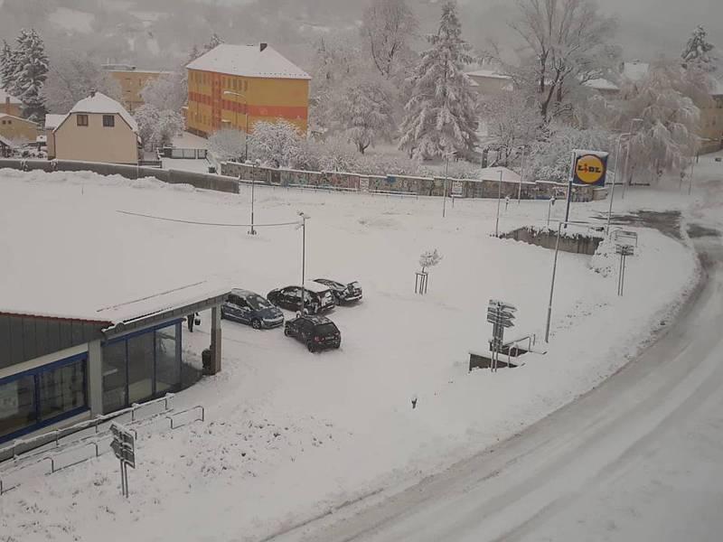 Zima po sobotní oblevě znovu udeřila.
