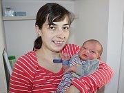 V písecké porodnici se ve středu 22. listopadu  ve 2 hodiny a 28 minut ráno narodil Milan Škopek. Vážil 3550 gramů a měřil 49 centimetrů. Rodiče Milena a Petr jsou z Vacova a mají ještě staršího syna Petra.
