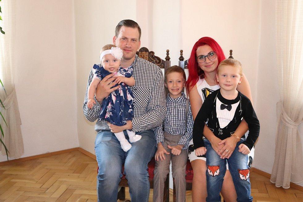 Kateřina Nechvátalová s rodinou.