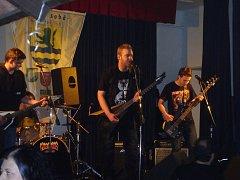 Adventní rocková kytara ve Zbytinách.