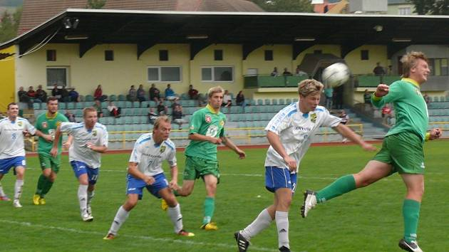 Tatran (v zeleném) vyhrál 2:0.