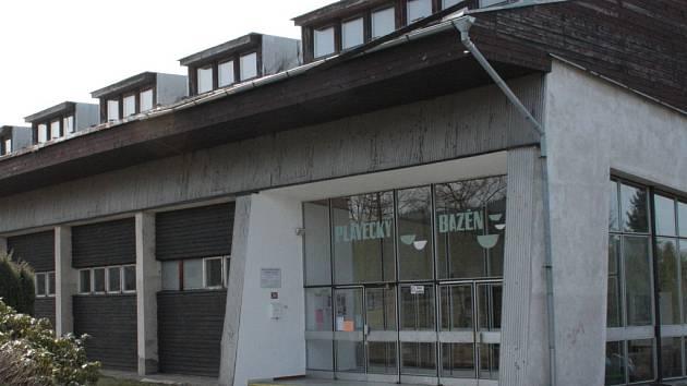 jednou z významných investičních akcí ve Volarech pro rok 2013 by mělo být zateplení plaveckého bazénu. Město žádá o dotaci.