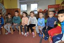 Děti z MŠ Skalka v Prachaticích dostaly dárky.