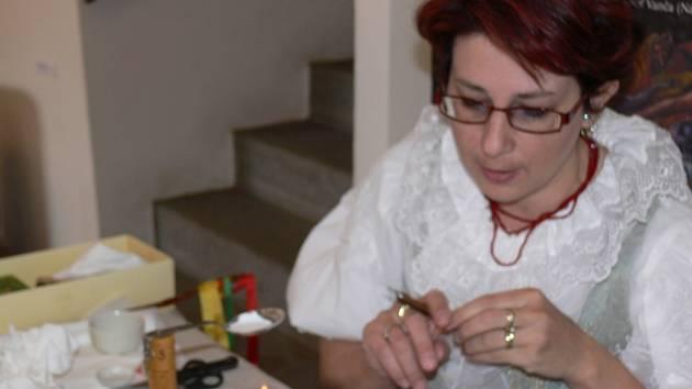 enka Volková představila své kraslice v Prachatickém muzeu.