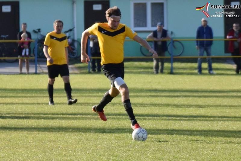 Fotbalový OP Prachaticka: Čkyně B - Vacov B 1:1 (17. Chalupa - 24. Dyk).
