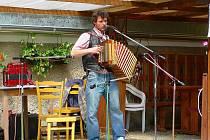Harmonikáři se v sobotu sešli pod Sudslavickou lípou.