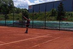 Na prachatických kurtech se tenisté utkali o okresní tituly.