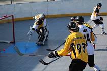 Prachatická hokejbalová aréna bude o víkendu v obležení.