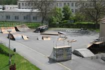 Nového skateparku v Prachaticích se vyznavači skateboardingu hned tak nedočkají. Potřebné miliony využije město na jiná sportoviště.