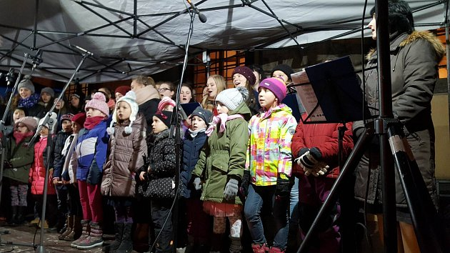 Česko zpívalo koledy 2017 na Prachaticku