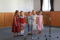 V Lenoře slavili 50 let České základní školy.