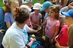 Děti si tábor užívaly. Na programu byly mimo jiné kynologické ukázky, buřty na ohni a lukostřelba.