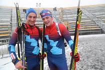 Jiří (vlevo) a Ondřej Mánkovi se sešli již i v biatlonu.