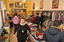 Posedmé se ve Vimperku konal charitativní bazar.