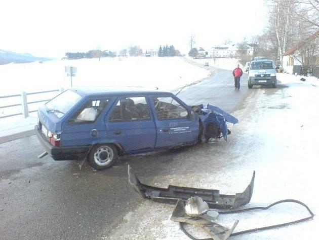 Škoda způsobená při kolizi je celkem dvacet tisíc korun.